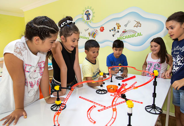 Engineering For Kids Bu Bahar Çok Renkli